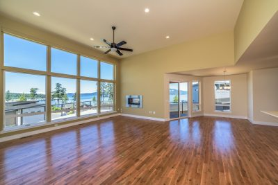 Huge living room in Anacortes Real estate